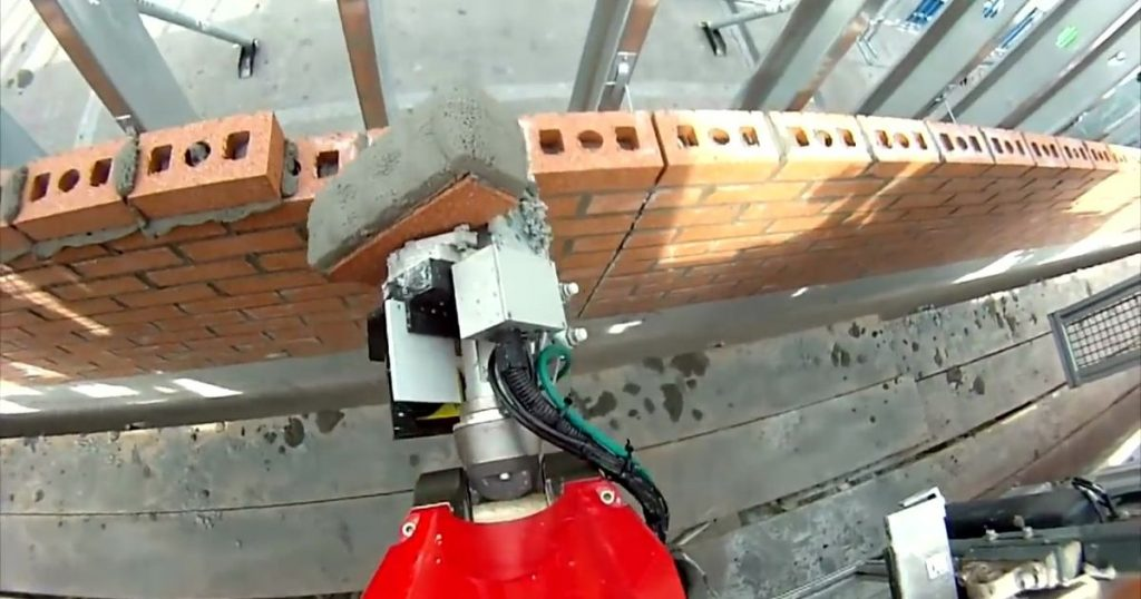 Bricklaying-robots